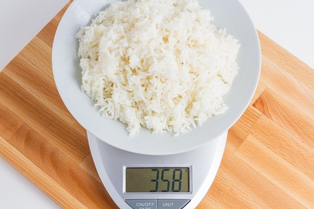 358 Grams Of Jasmine Rice On A Scale