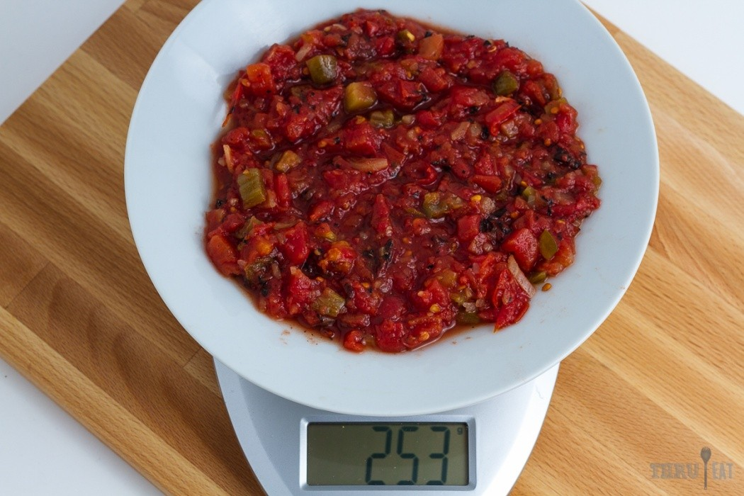 253 grams of salsa on a scale