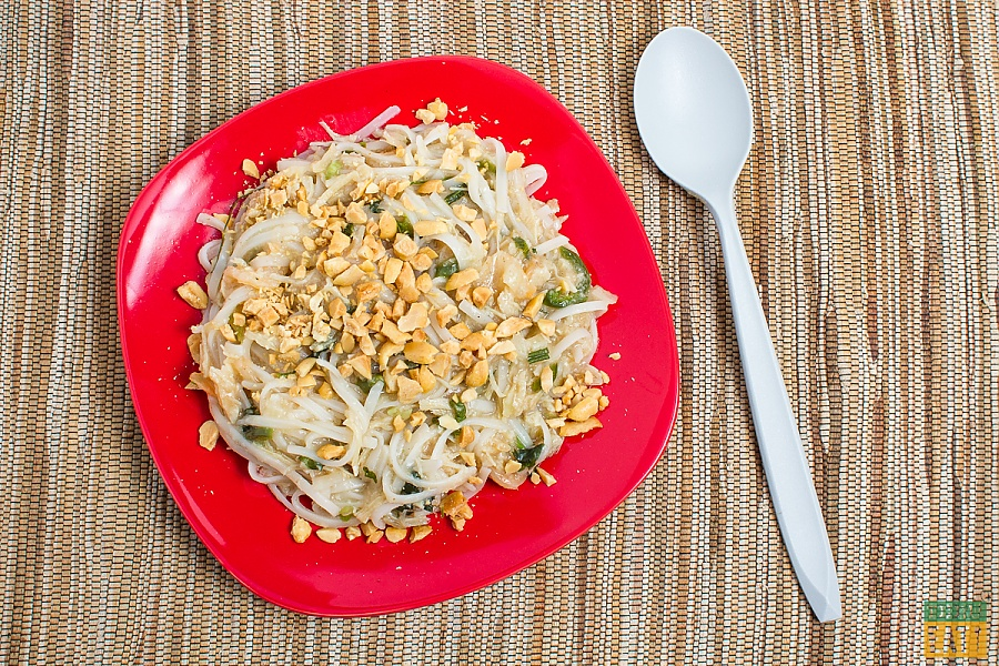 Dehydrated pad thai backpacking meal