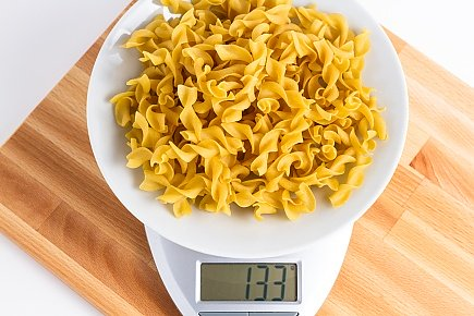 133 grams of dehydrated egg noodles